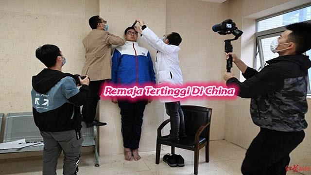 Remaja Tertinggi Di China Pecahkan Rekor Guiness World Record