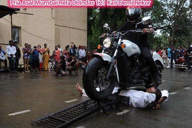 Pria Asal Mumbai Rela Dilindas 121 Kali Demi Rekor